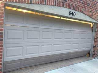 Few Common Causes Of Garage Door Problems | Garage Door Repair Coral Springs, FL
